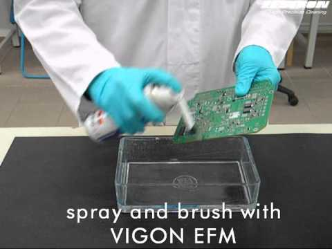 Manual PCB cleaning / defluxing with VIGON EFM