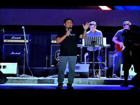 OGIE ALCASID - The Lord Is Our Savior (OPM Fair Cebu 2013)