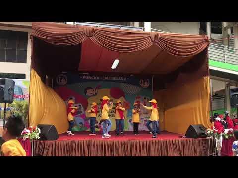 Tari Persahabatan SD Al Azhar Padang