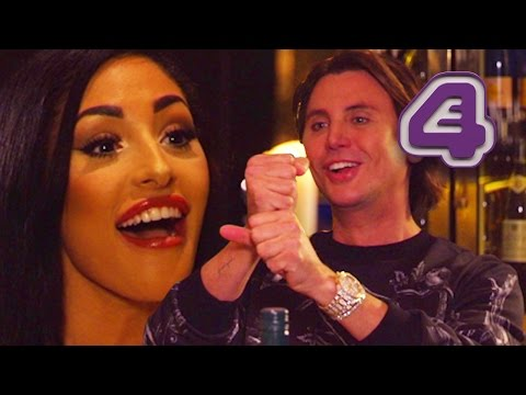 Kim Kardashian Lookalike Date Gets Weird For Jonathan Cheban! | Celebs Go Dating