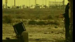 Смотреть клип Blur - On Your Own