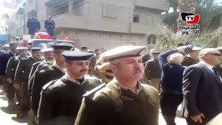 جنازة عسكرية لشهيد حادث «الخانكة» بمسقط رأسه بـ«طما»