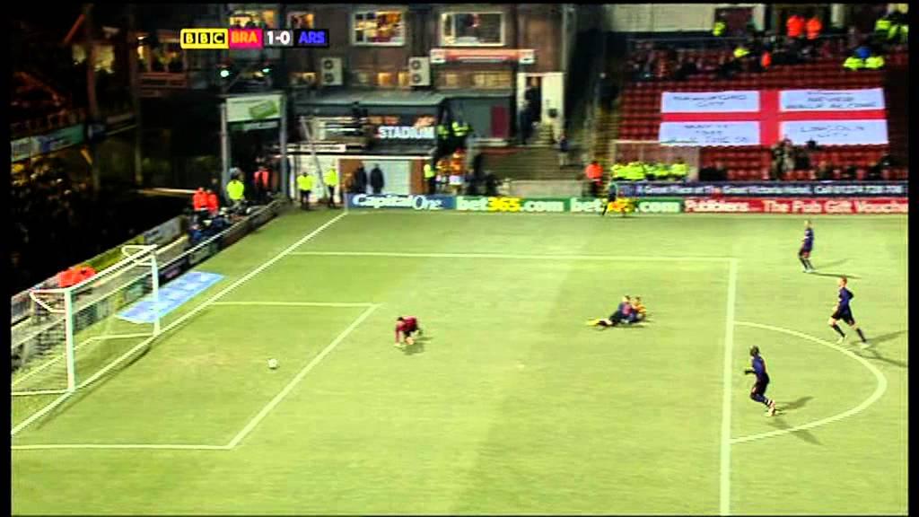Bradford City v Arsenal 11th December 2012 League Cup Quarter Final BBC Highlights - YouTube