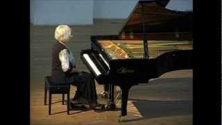 "Jane Solose performs ""A Liszt Fantasie"" by Mary Jeanne van Appledorn"