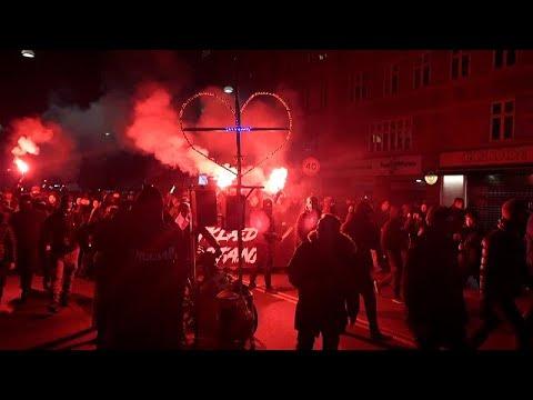 شاهد: دنماركيون يهتفون -الحرية للدنمارك، كفى-  - نشر قبل 2 ساعة
