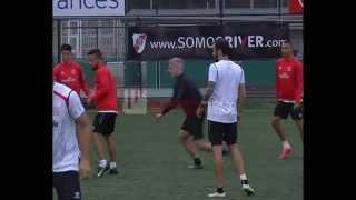 Entrenamiento Sevilla F.C a los pies de El Monumental