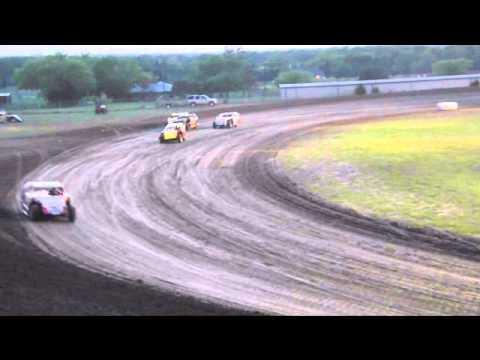 Limited Mod Heat Race Superbowl Speedway 4/19/14
