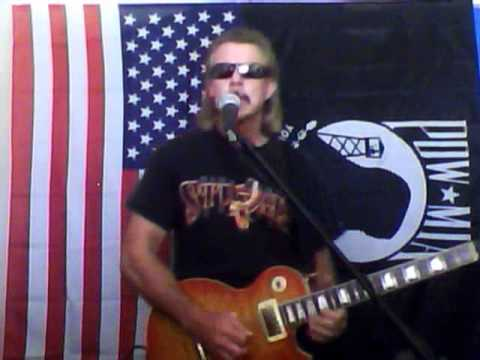 MUST SEE!! The best Seger Cover on youtube! Mainstreet, Bob Seger, cover by Larry Smith