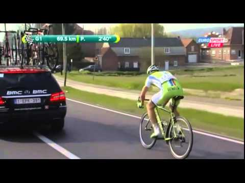 E3 Harelbeke 2014 - Peter Sagan - puncture / bike change
