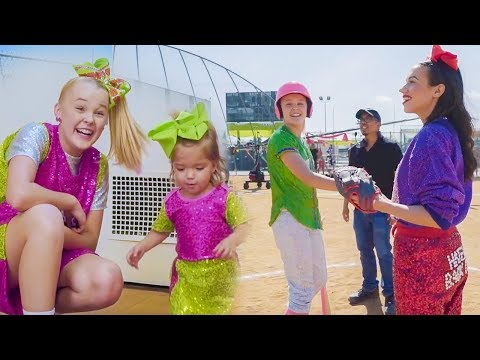 """JoJo Siwa - The Making Of """"High Top Shoes"""" (The Music Video)"""