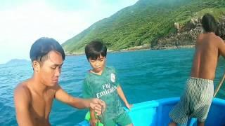 Đánh lưới, ở côn đảo,gặp nhiều loại cá đẹp và ngon