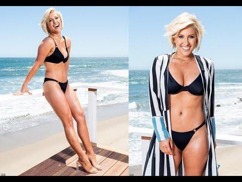 Chrisley Knows Best Star Savannah Chrisley Shows Off Her Stunning Figure In A Black Bikini Youtube