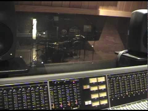 TrustCo Studio2.dv