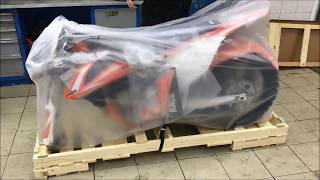 Video Unboxing & assembling KTM 450 SX-F MY2018 download MP3, 3GP, MP4, WEBM, AVI, FLV November 2018