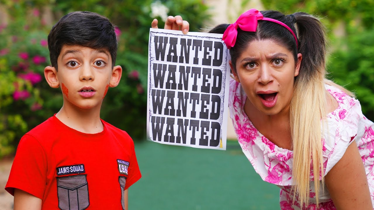 Jason and Sara Good Sister with Wanted T-Shirt