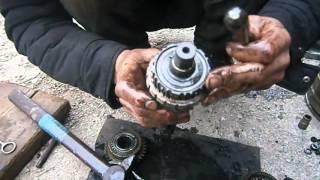видео Замена и ремонт коробки передач ВАЗ 2107 своими руками