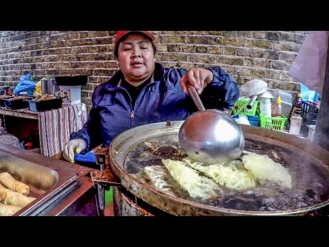 Thumbnail: Food From The Philippines Cooked in the Streets of London. Great Street Food Experience