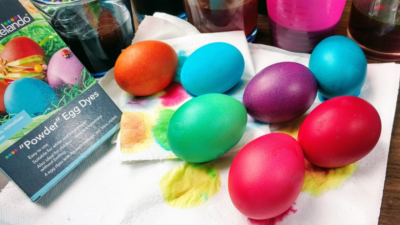 Coloring Easter Eggs Powder - YouTube