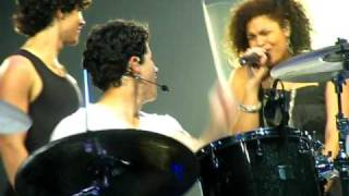 """Battlefield"" Jonas Brothers Duet with Jordin Sparks Boston Concert 7/18/09"