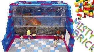 Lego Friends - Golden Fish World Aquarium by Misty Brick.