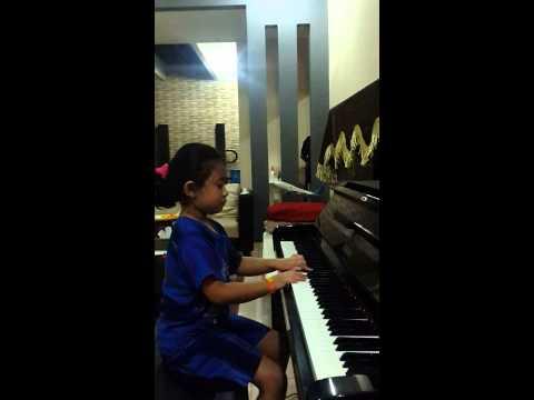 Belajar Piano untuk anak TK