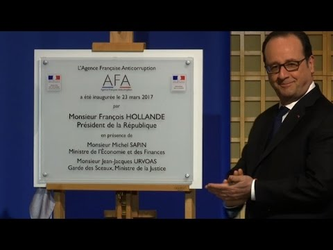 Hollande inaugure l'Agence française anticorruption