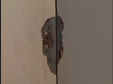 How to Repair Chipped Corners in Drywall - YouTube