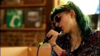 Grimes - Oblivion (Live at Grimey
