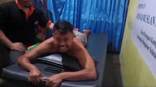 Sport massage takmir warkop itu namanya...di Tanjungpinang... Kepulauan Riau... Di akhir video ada n.