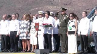Buques de la Armada son abanderados por Presidente y Gobernadora