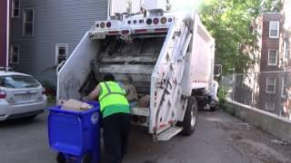 Casella Waste Services /Big Truck Rental Ford F750 Heil PT 1000 rear loader