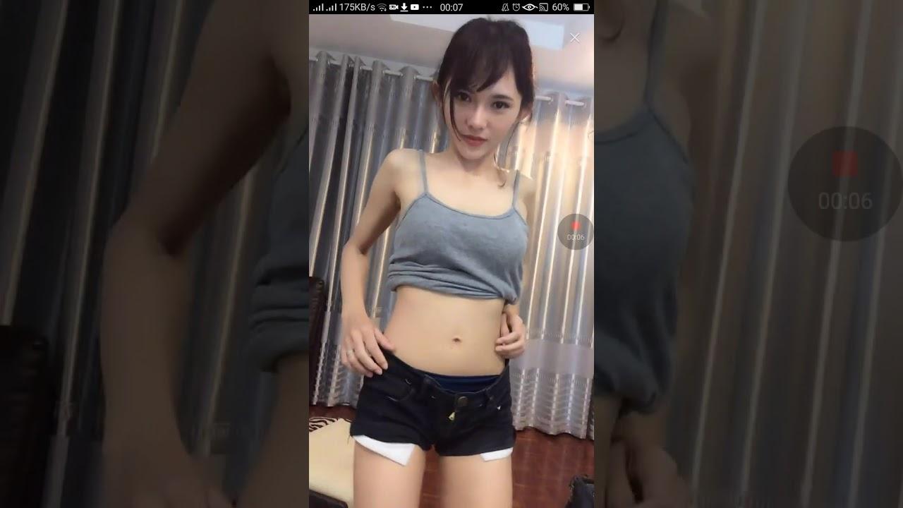 สาวสายร่อนเอวดีมีหีให้ดู BIGO LIVE 18