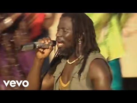 Tiken Jah Fakoly - Ouvrez les frontières ft. Soprano
