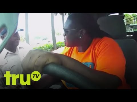 South Beach Tow  Mean Woman Tossed From Vehicle