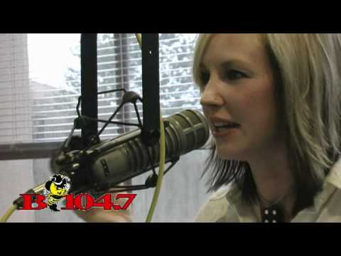 "B104.7 - Kristen Kelly performs ""Ex-Old Man"" - YouTube"