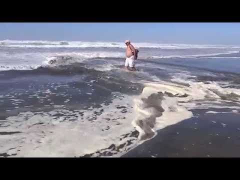 Strong tide current at Ocean Beach