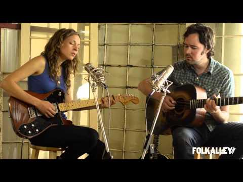 "Folk Alley Sessions: Mandolin Orange - ""Blue Ruin"""