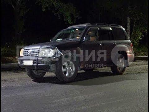 Водитель «Тойоты Ленд Крузер» сбил мужчину в Железнодорожном районе Хабаровска.Mestoprotv