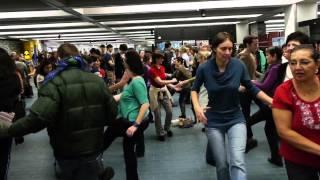 La danse swing à Montréal - Les Beaux Dimanches dans le métro