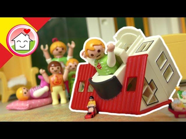 Playmobil en español Anna y Lena pasan la noche con la abuela - La Familia Hauser