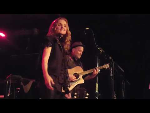 Patty Griffin -- Heavenly Day (City Winery, Halloween Night 2016)