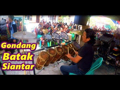 Mambuat Tua Ni Gondang - Musik Taganing (Mula Mula Dohot Somba Somba) | Gondang Siantar