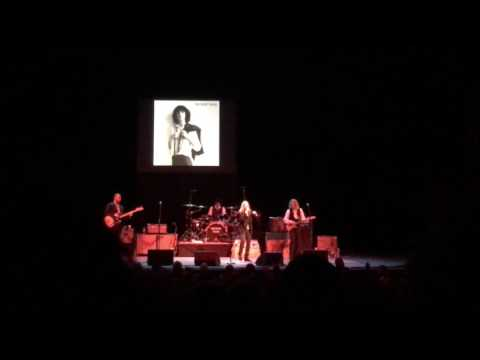 "Patti Smith ""Free Money"" live at the State Theatre, Cleveland, Ohio, 03.12.17"