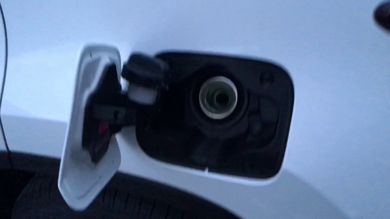 Lexus F Sport >> レクサスRX 給油口開け方 - YouTube