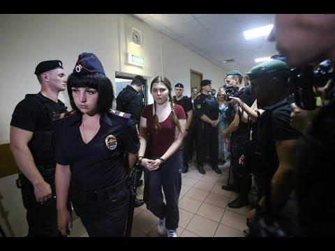 Дело «Нового величия». Почему суд оставил в СИЗО 18-летнюю Анну Павликову