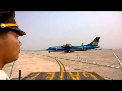 Máy bay chở đại tướng Võ Nguyên Giáp về quảng Bình