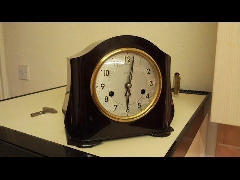 Vintage Bakelite Smiths Enfield mantel clock.