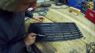 Plastic welding on a Defender grill - real time repair!