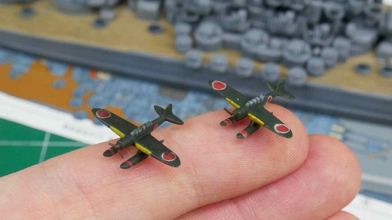 """Modele samolotów w skali 1:700 """"Pete"""" i """"Jake"""" - samoloty pokładowe Yamato"""