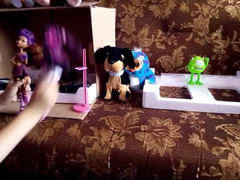 Смотреть - МОНСТЕР ХАЙ: Джейн играет с ЛИЗУНАМИ / Режем